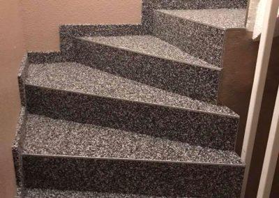 Escalier intérieur en marbre et résine